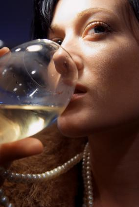Does Alcohol Really Hurt Your Mouth?